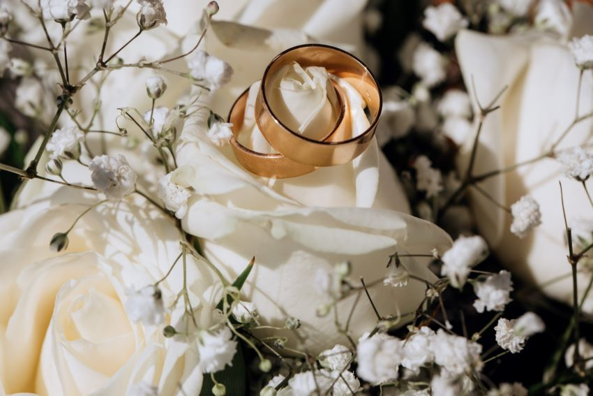 En eventos uleta te ayudamos a organizar tu boda para que ese día sea el mejor día de tu vida. Wedding planea, el menú de la boda, decoración floral, el catering, el baile, la música.
